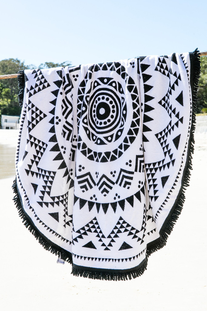 NAVAJO Black & White Round Beach Towel